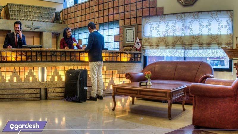 پذیرش هتل آریو برزن