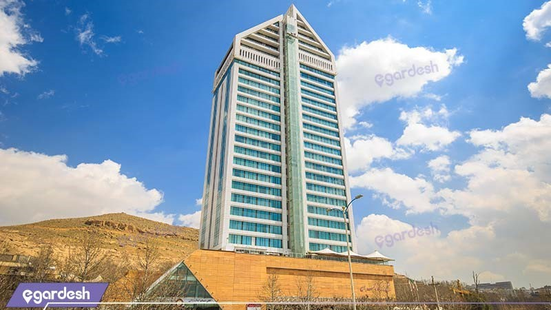 نمای ساختمان هتل بزرگ چمران