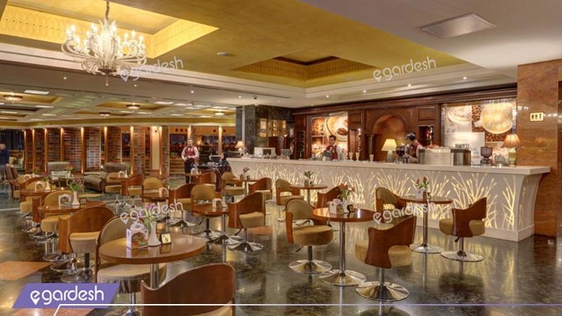 کافی شاپ هتل بزرگ