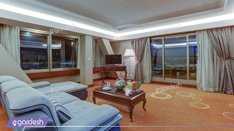 سوئیت کانکت هتل بزرگ