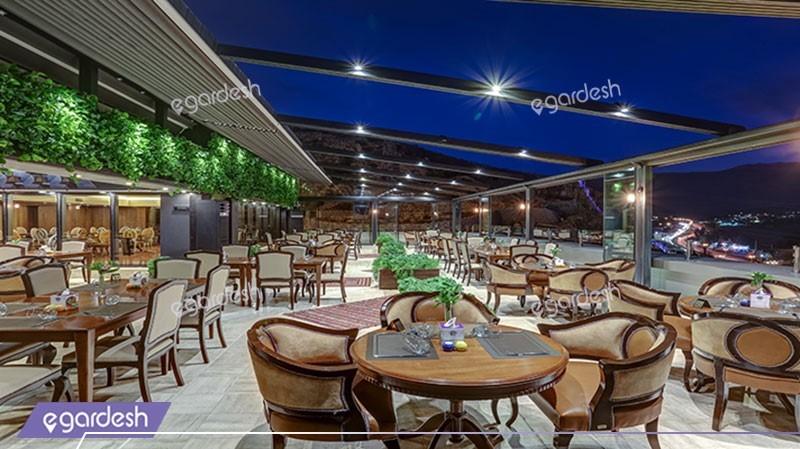 رستوران پانورامیک هتل بزرگ