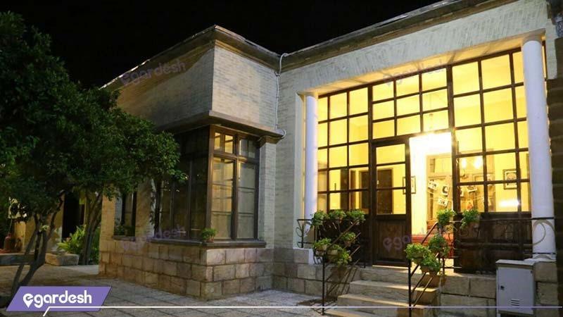ورودی اقامتگاه بوم گردی خانه باغ ایرانی
