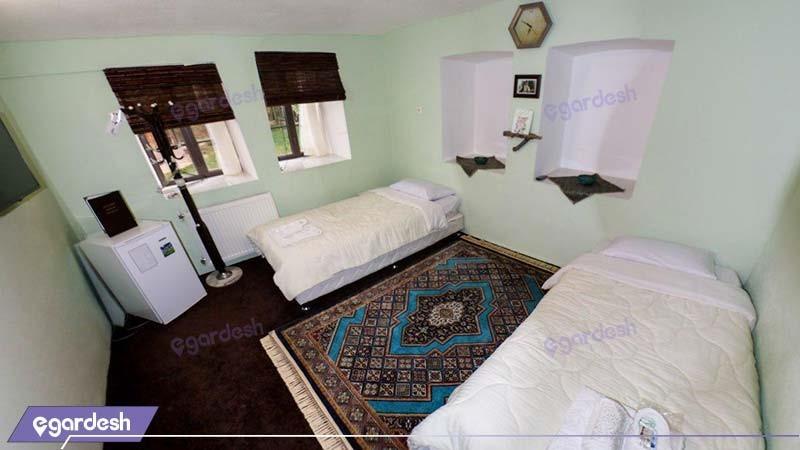 اتاق دو تخته اقامتگاه بوم گردی خانه باغ ایرانی