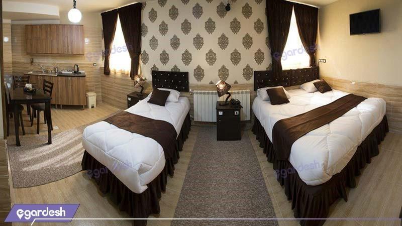 اتاق سه تخته لاکچری هتل کیوان شیراز