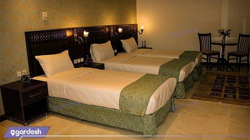 اتاق سه تخته هتل وکیل