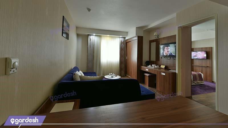 سوئیت دبل هتل پارسیان شیراز