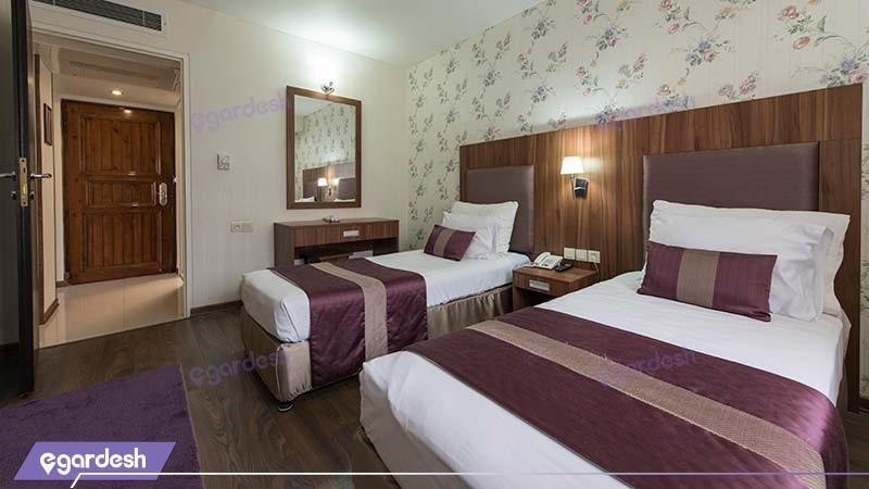 سوئیت چهار نفره هتل پارسیان شیراز