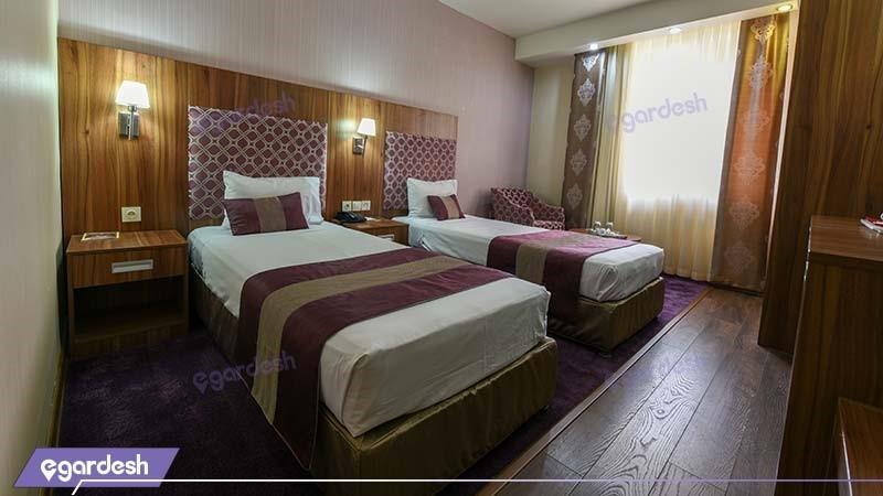 اتاق دو تخته هتل پارسیان شیراز