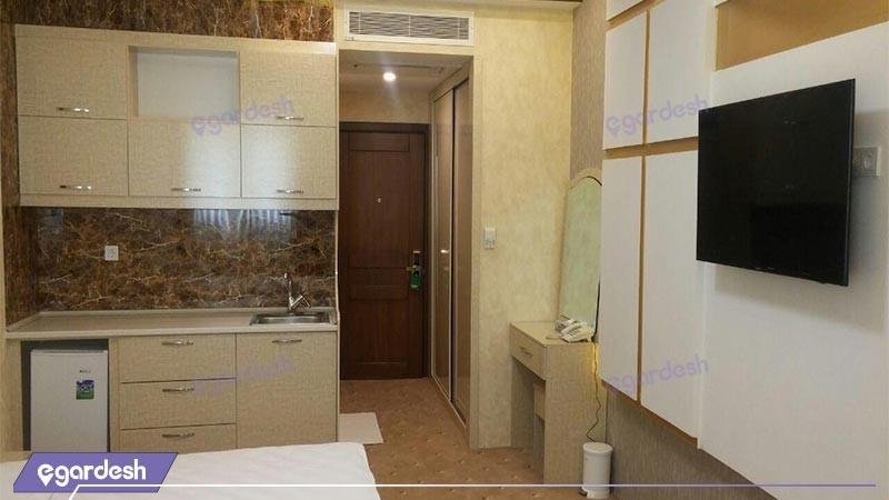 اتاق سه تخته افشنسلی هتل آزادی