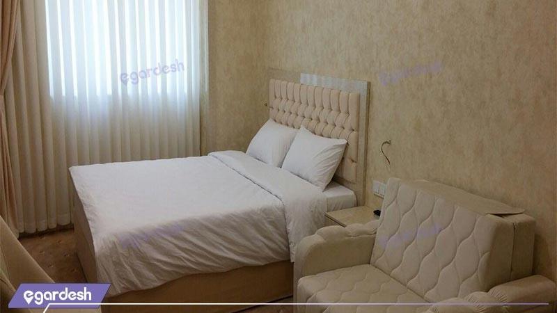 اتاق سه تخته هتل آزادی