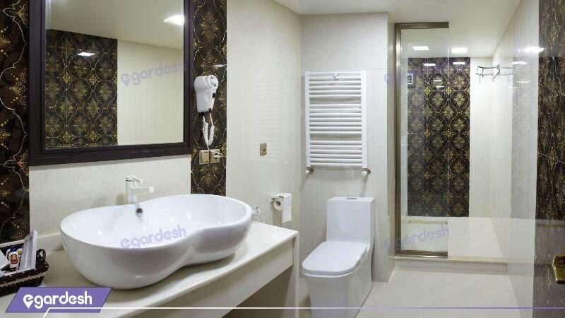 سرویس بهداشتی اتاق پنج نفره vip هتل بین المللی گسترش