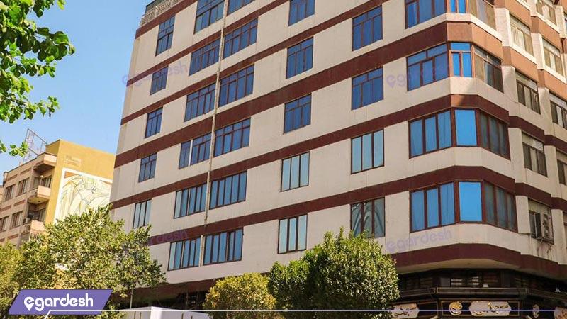 نمای ساختمان هتل بلور