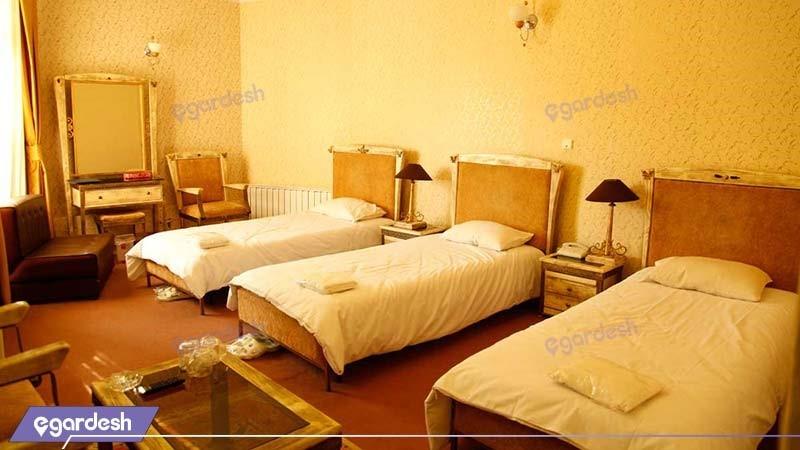 اتاق سه تخته هتل بلور