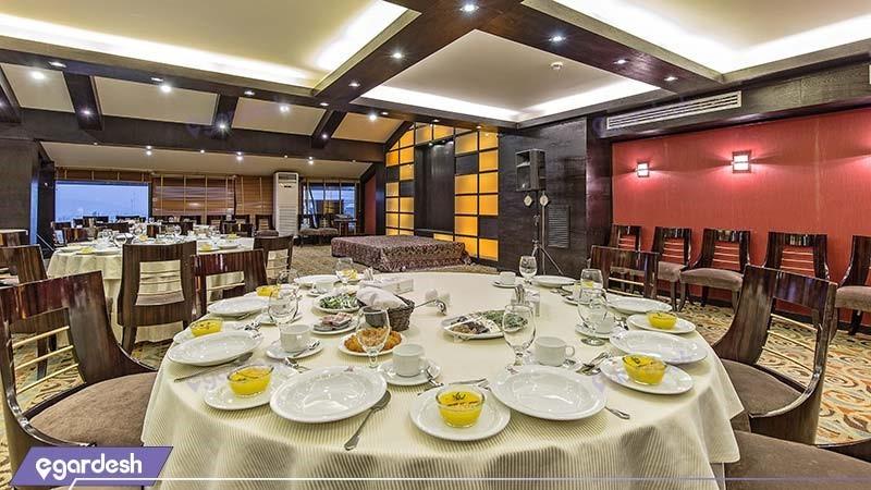 سالن پذیرایی هتل اسپیناس خلیج فارس