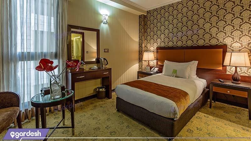اتاق یکنفره هتل اسپیناس خلیج فارس
