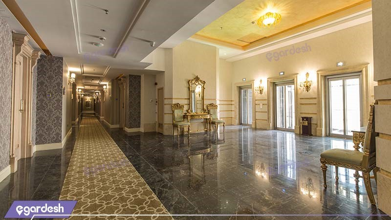 راهرو هتل اسپیناس پالاس