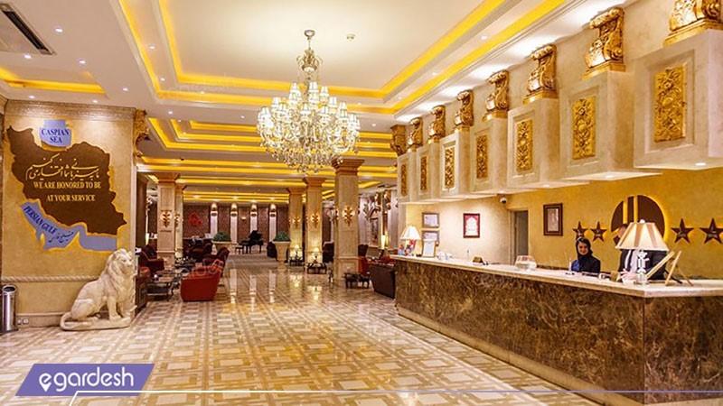 پذیرش هتل بزرگ دو