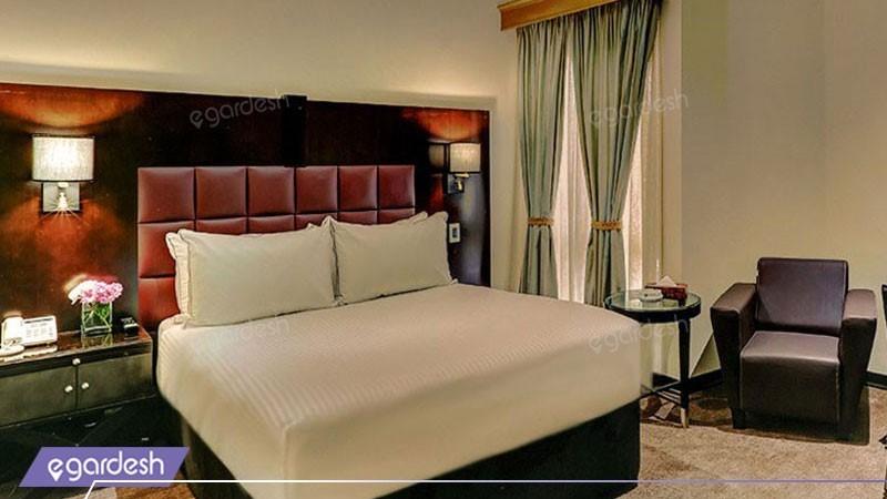 اتاق یک تخته هتل بزرگ دو