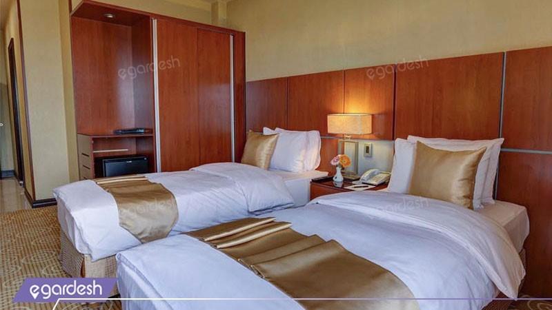 دو تخته توئین هتل بزرگ دو