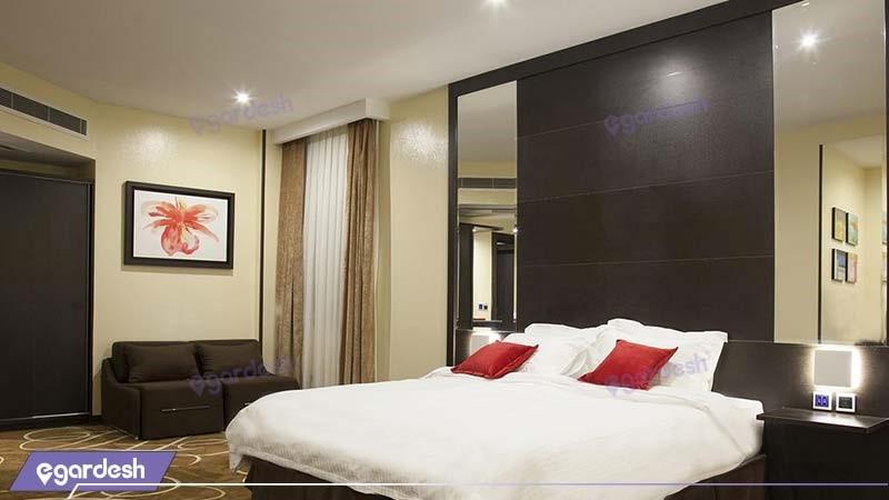 اتاق دبل لوکس هتل بزرگ تهران