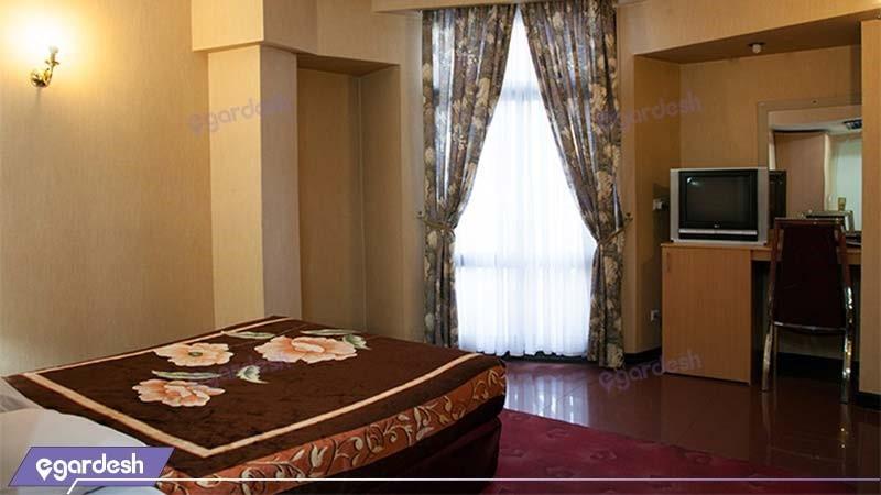 اتاق دو تخته هتل بزرگ تهران