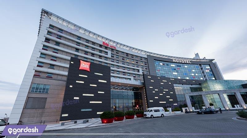 نمای ساختمان هتل ایبیس