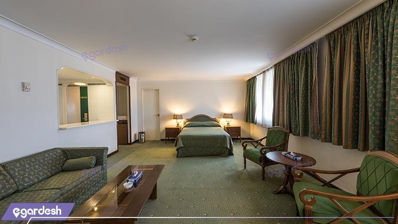 سوئیت جونیور هتل لاله