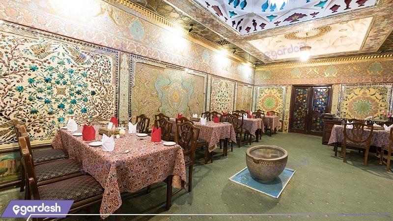 رستوران نمکدون هتل لاله