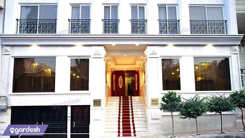 ورودی هتل آپارتمان مدیا