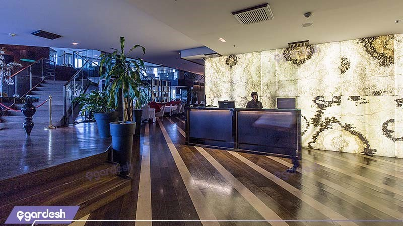 رستوران هتل پارسیان آزادی تهران