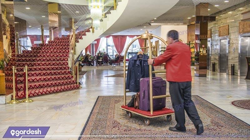 لابی هتل پارسیان انقلاب