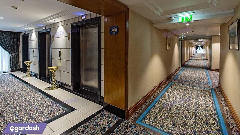 راهرو هتل پارسیان استقلال