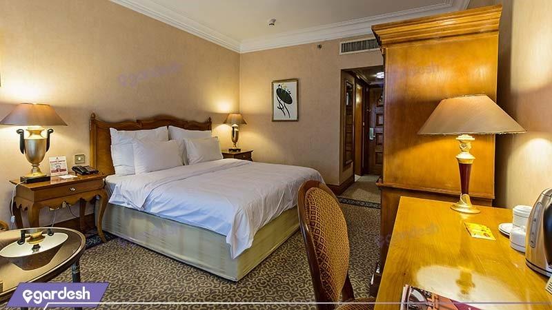 اتاق دبل شرقی هتل پارسیان استقلال
