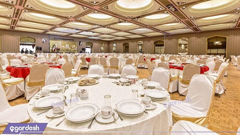 سالن پذیرایی هتل پارسیان استقلال