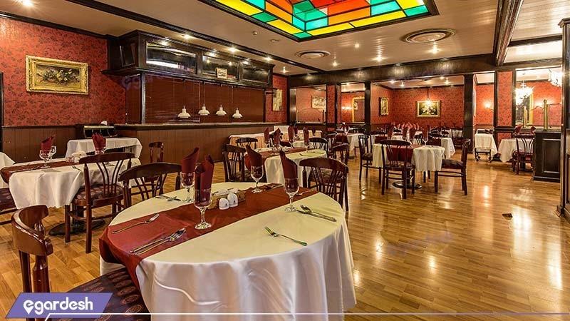 رستوران هتل پارسیان استقلال