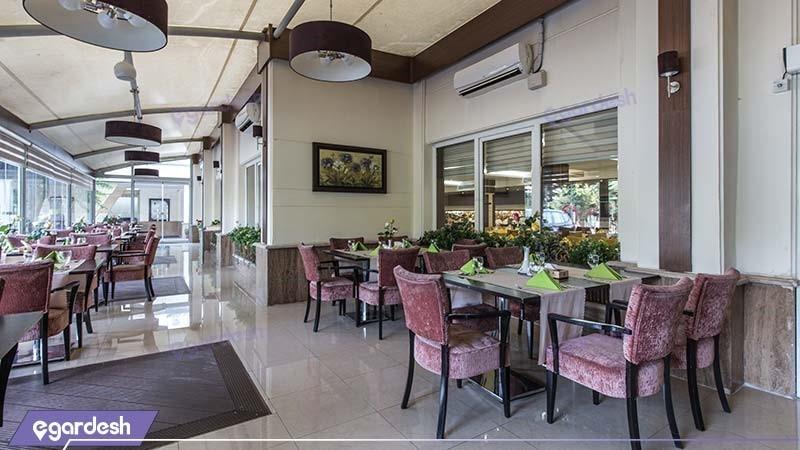 رستوران هتل پارسیان اوین