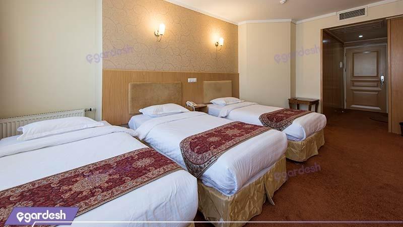 اتاق سه نفره هتل ساینا