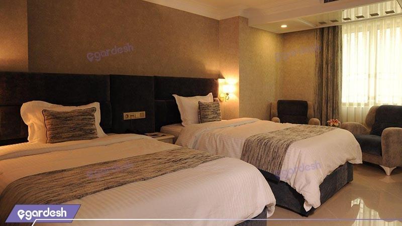 اتاق دو تخته توئین شرقی هتل سیمرغ