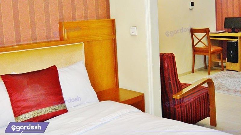 اتاق یک تخته هتل آپارتمان تاویژ