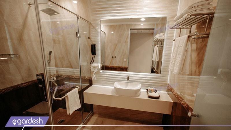 سرویس بهداشتی دو تخته دبل کینگ هتل ویستریا