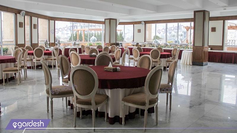 رستوران بام هتل ویستریا