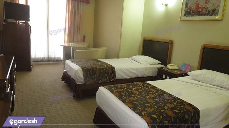 اتاق دو تخته با نمای دشت هتل پارسیان آزادی یاسوج