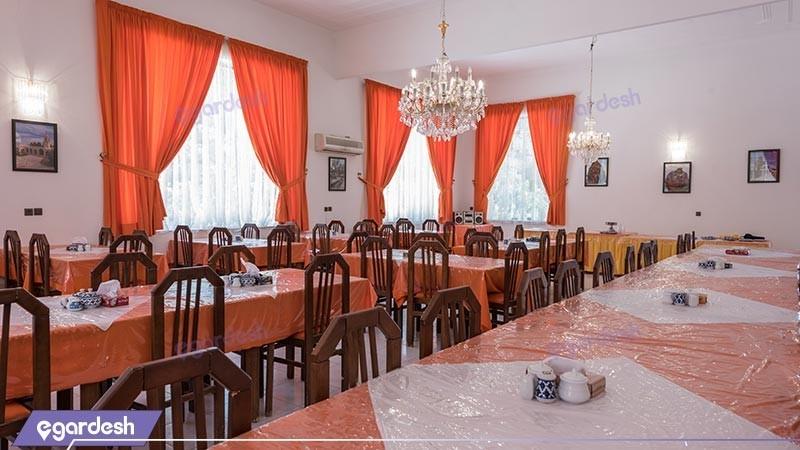 رستوران مجتمع اقامتی کاروان