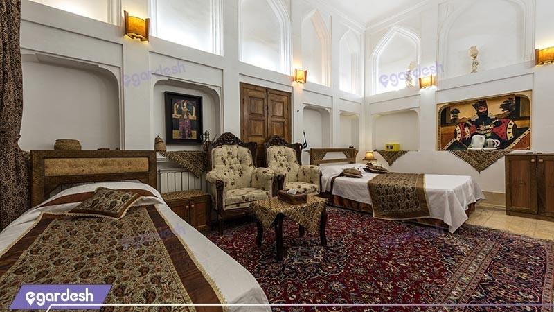 اتاق سه تخته  vipهتل سنتی فهادان