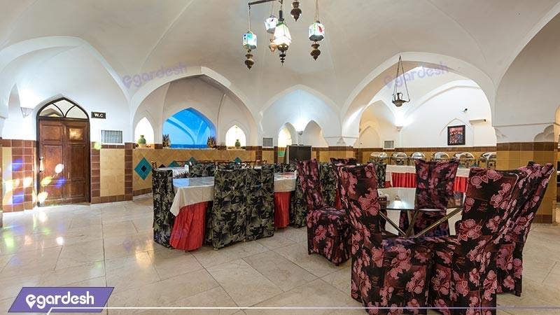 رستوران سنتی  ابو المعالی هتل سنتی فهادان