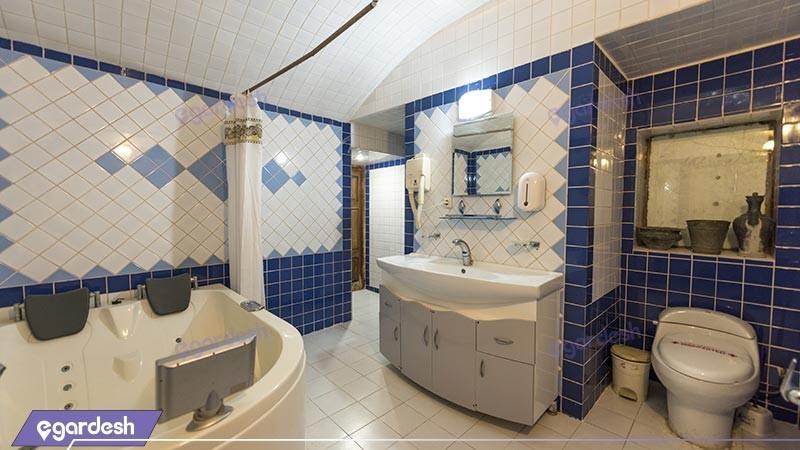سرویس بهداشتی سوئیت  هتل سنتی فهادان