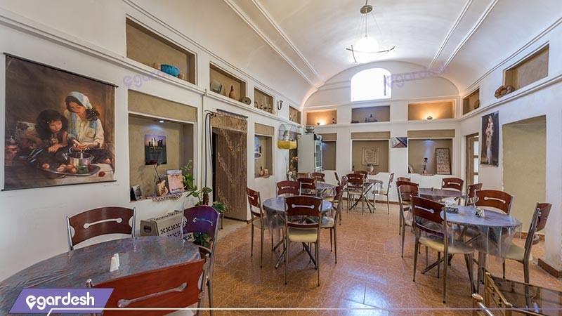 رستوران سنتی هتل کوروش