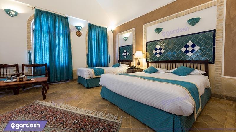 اتاق سه تخته هتل سنتی لاله