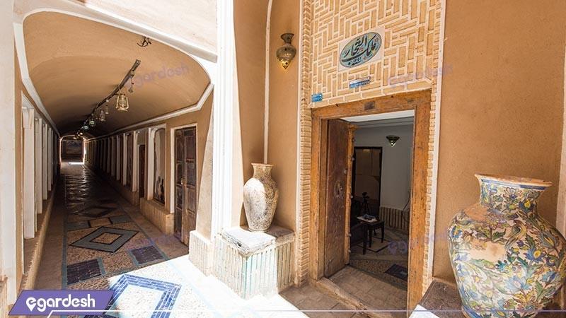 ورودی هتل سنتی ملک التجار