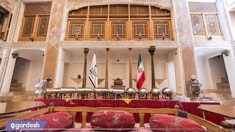 نمای ساختمان هتل سنتی ملک التجار